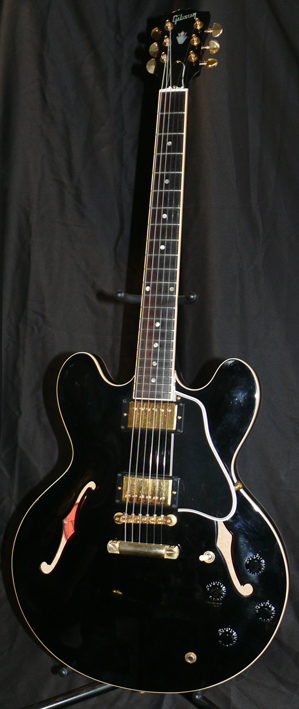 Gibson U.S.A. Custom Shop ES-335 - Gold Hardware