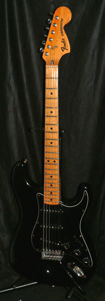 Fender U.S.A. `77 Stratocaster Black/Maple