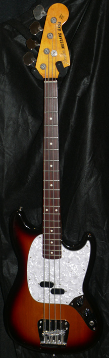 "Fender Japan C.I.J. ""S"" series Mustang Bass reissue"